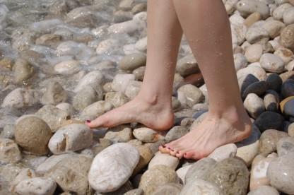 Source : http://blog.kinepod.com/physiologie-du-pied/marche-et-course-pieds-nus
